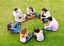 Read more about the article Игра «Я сижу с друзьями в круге и думаю о…»